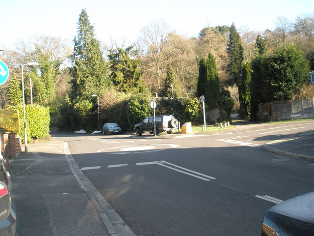 Mini-roundabout in Lion Lane