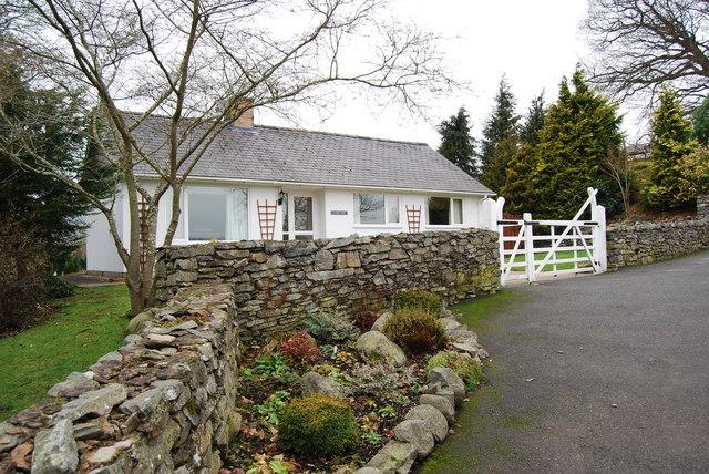 Llwybr-y-Gwynt near Cynwyd