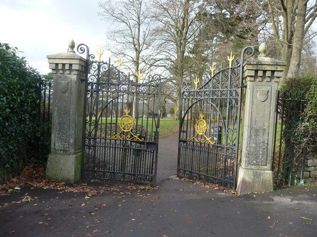 Tiverton : People's Park Gates