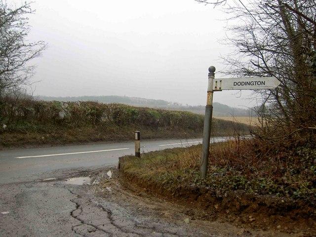 Sign post to Dodington