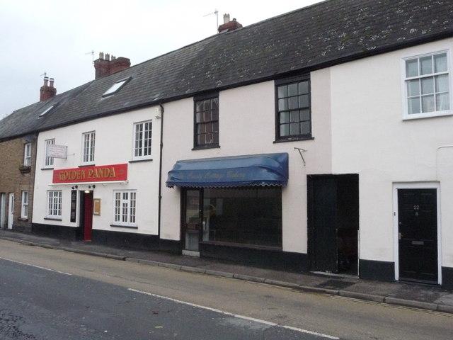 Tiverton : The Crusty Cottage Bakery