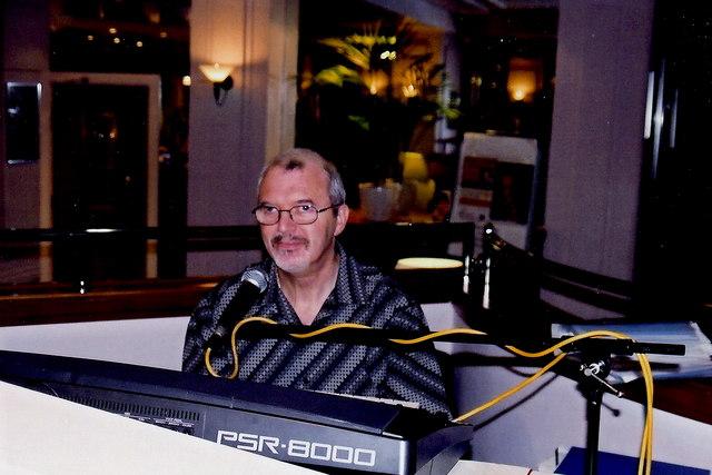 Douglas - Empress Hotel entertainer Jim Wilson