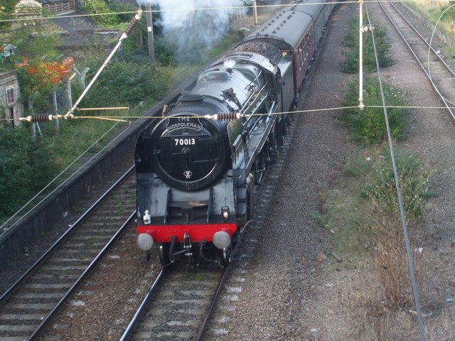 70013 Oliver Cromwell exiting Trowse
