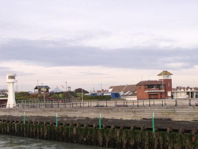 Littlehampton Coastguard and beacon
