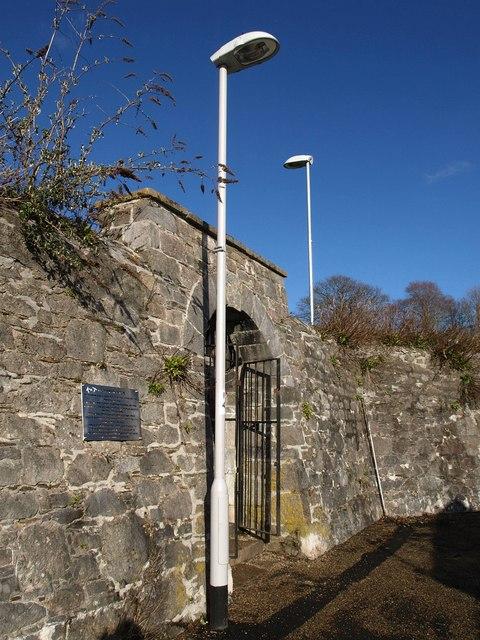 Gate on Richmond Walk