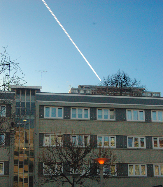 Jet trail over Kings Square, London EC1