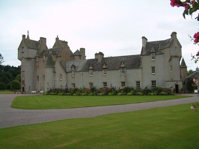 Ballindalloch Castle