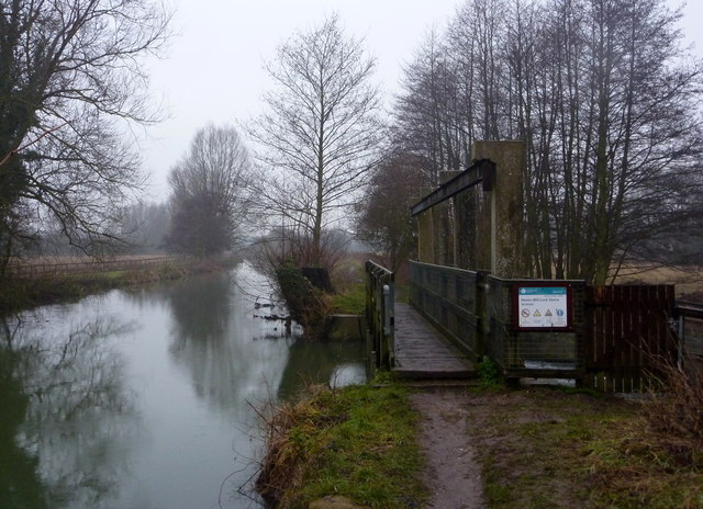 River Gipping at Hawks Mill Lock Sluice