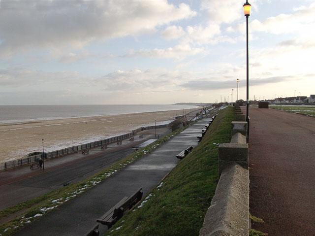 Gorleston beach looking south