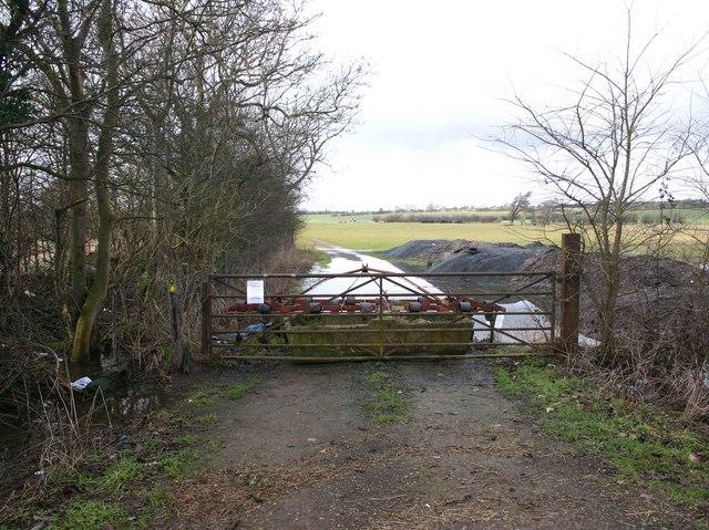 Footpath to Whitfield Farm