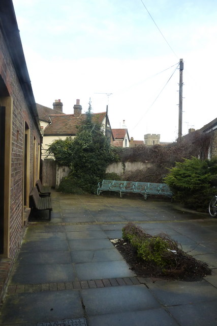 The courtyard garden at the side of Whitstable Museum