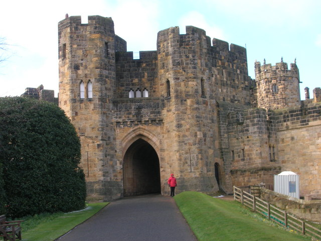 Alnwick Castle - Gatehouse