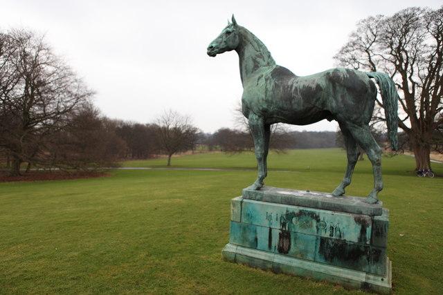 'King Tom' near Dalmeny House