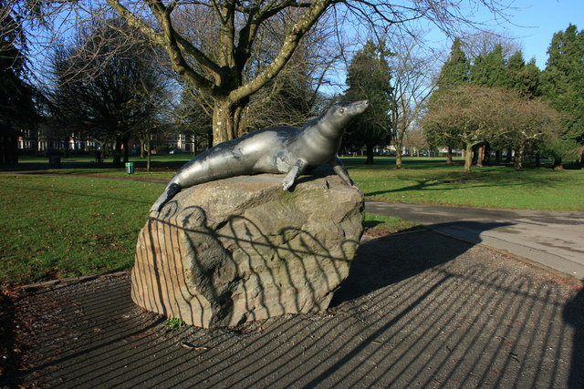 Statue of Billy the Seal, Victoria Park, Cardiff