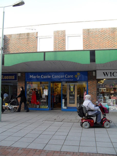 Charity shop in Portchester Precinct (2)