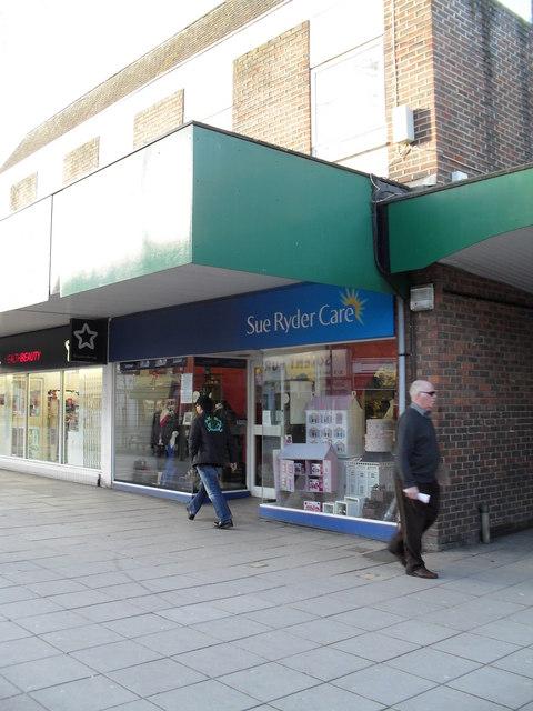 Charity shop in Portchester Precinct (3)