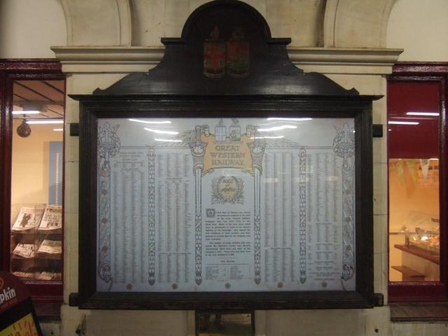 War memorial, Exeter St David's station