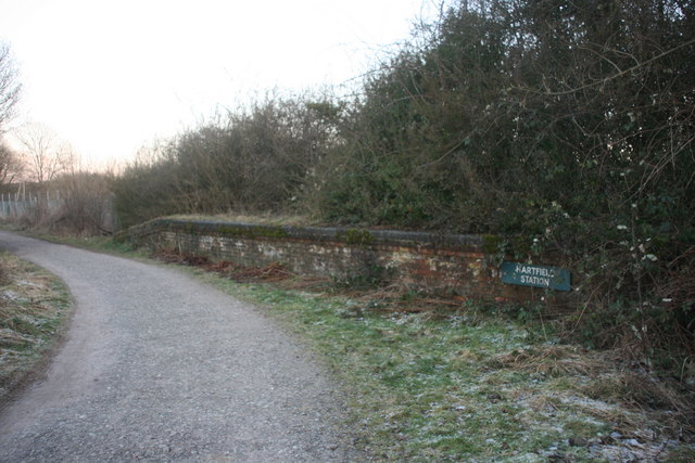The old platform, Hartfield Station