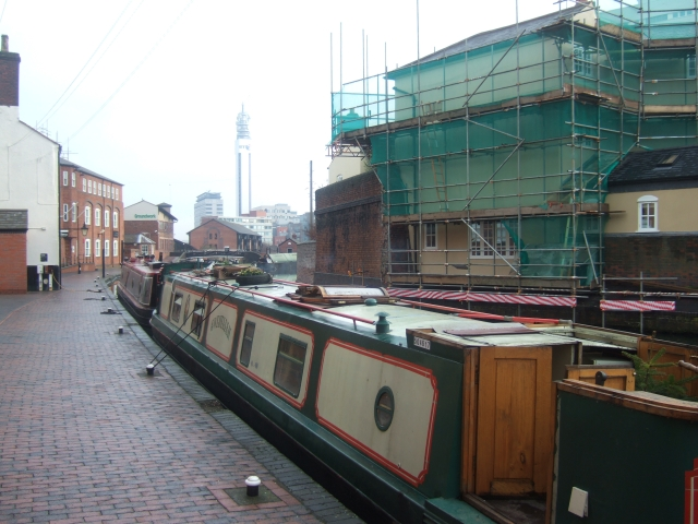 Canal boats in a basin near the NIA