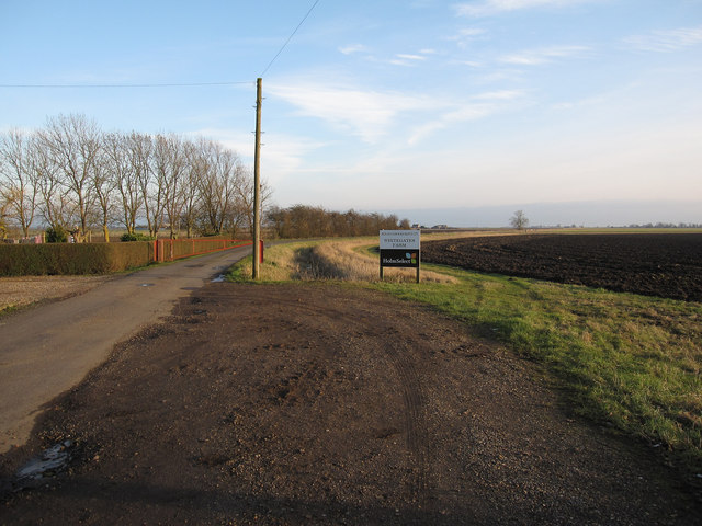 Track past Thirties Farm