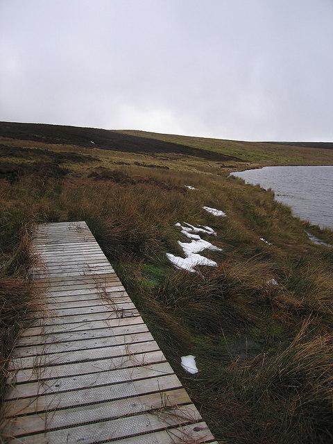 Boardwalk section on circular path around Glaslyn