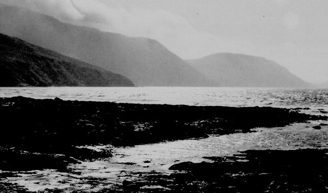 Niarbyl Bay - View towards Stack and Gob yn Ushtey