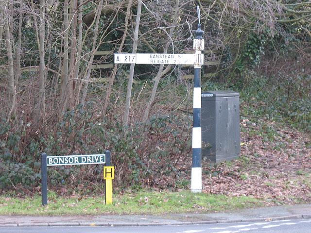 Pre-Worboys roadsign at Kingswood