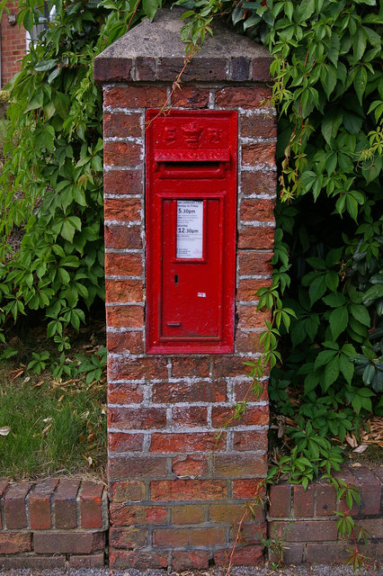 Edward VII post box, North Road/Sandcross Lane