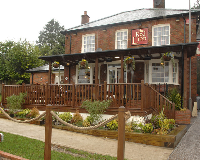 The Red Lion Knotty Green