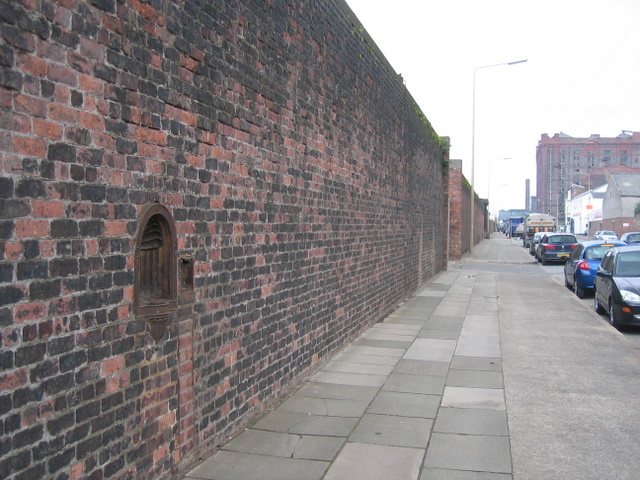 Former water fountain and Waterloo Road