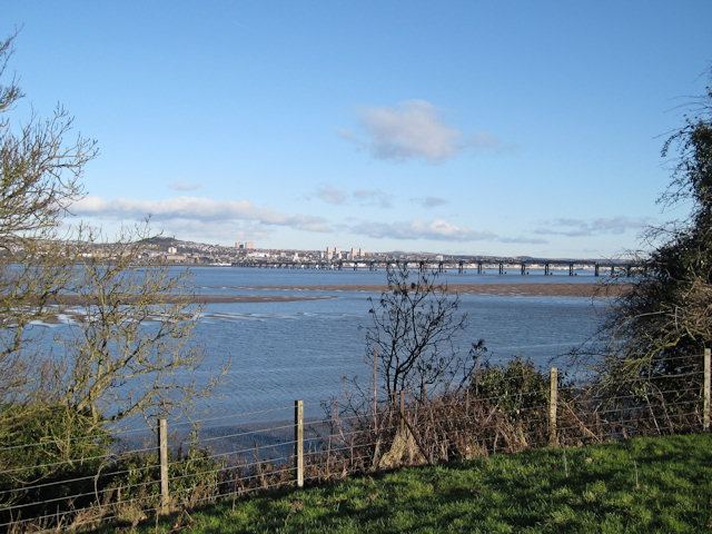 Low tide in the Tay