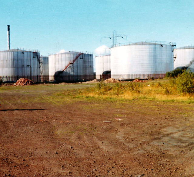 oil tanks, Braehead Power Station, 1977
