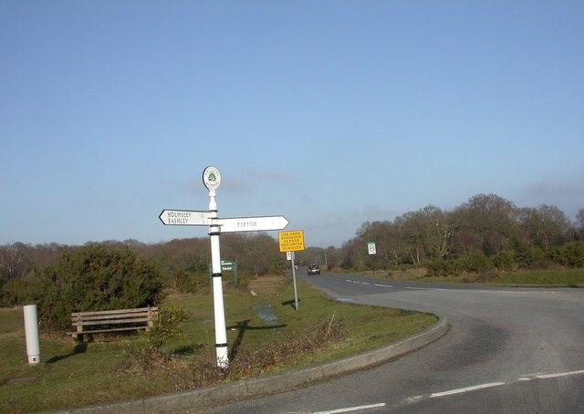 Wootton, fingerpost