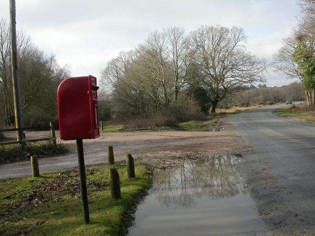 Wootton, postbox