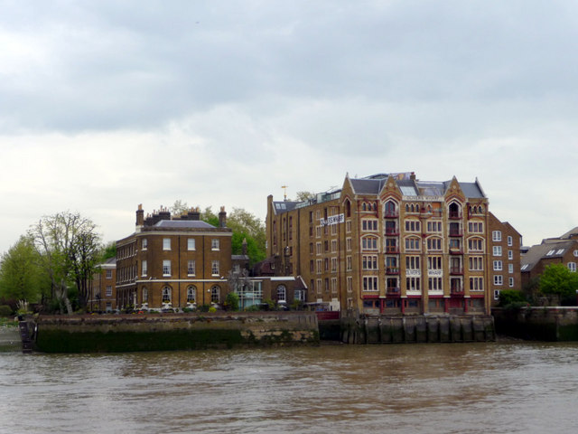 Oliver's Wharf, Wapping, London