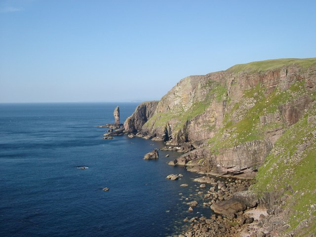 Cliffs towards Old Man of Stoer