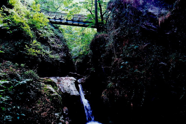 Glen Maye - Highest footbridge over river and gorge