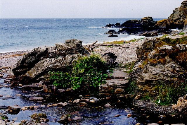 Glen Maye - Coastal scenery north of footbridge