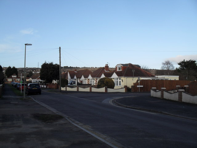Approaching the junction of  The Downsway and St Helena Way