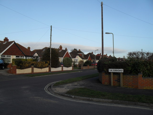 Looking from The Downsway into The Crossway