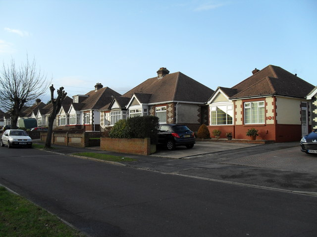 Bungalows in The Crossway