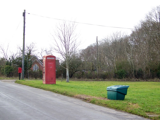 Telephone box, Woodlands