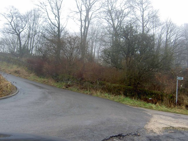 Start of the S bends on Whalley Lane, near Denholme