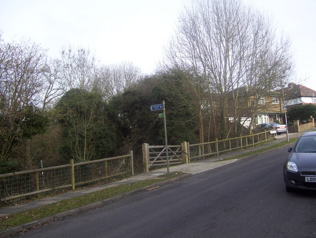 Filby Road / Bonesgate stream