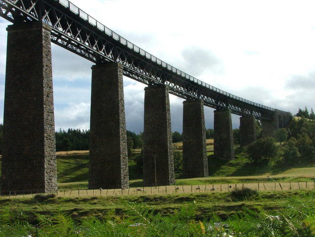 Railway viaduct over the Findhorn