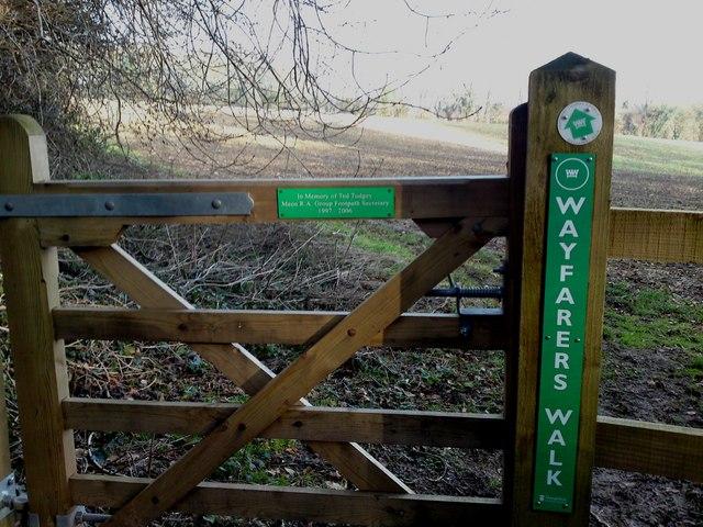 Kings Way footpath junction with Wayfarer's Walk path