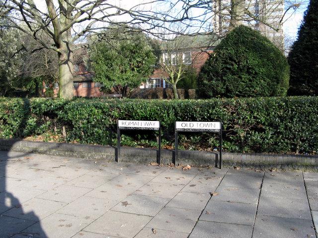 Croydon:  Signs on the footpath
