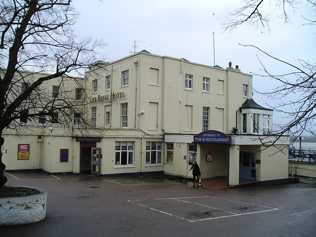 The Royal Hotel Pub, Purfleet