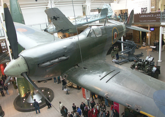 Large exhibits gallery, Imperial War Museum