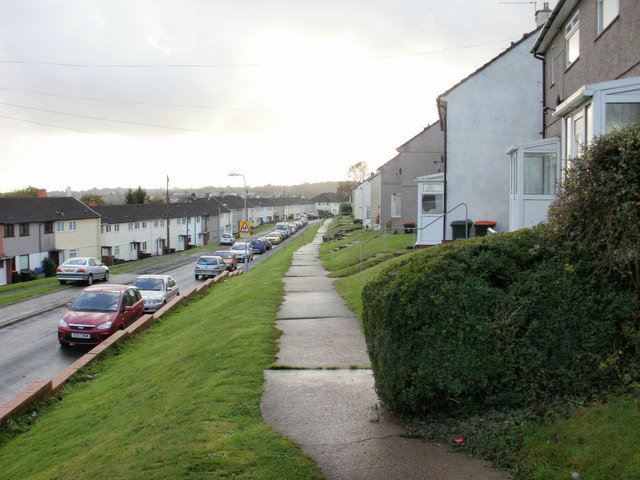 Brynglas Drive elevated pavements, Newport